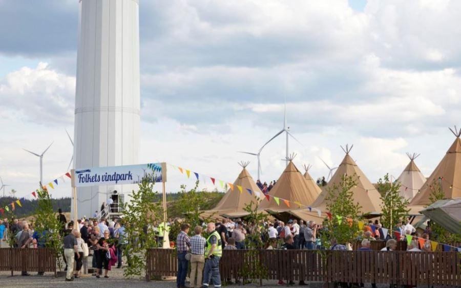 Välbesökt invigning av Skandinaviens största vindkraftsområde